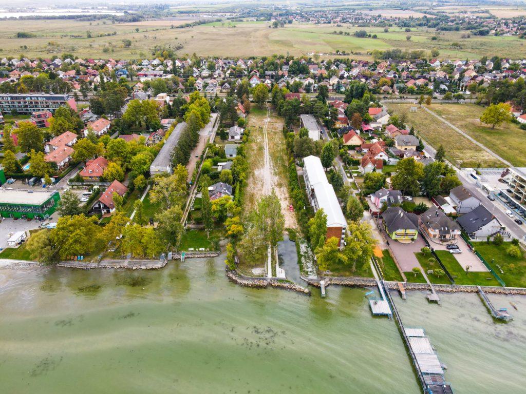 Balatonlelle eladó telek és szomszédsága