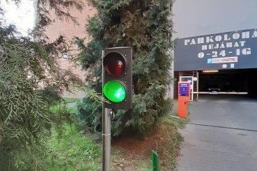 Parkolóház bejárata, Orzcy tér