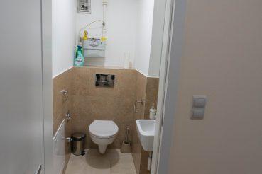 lakás wc